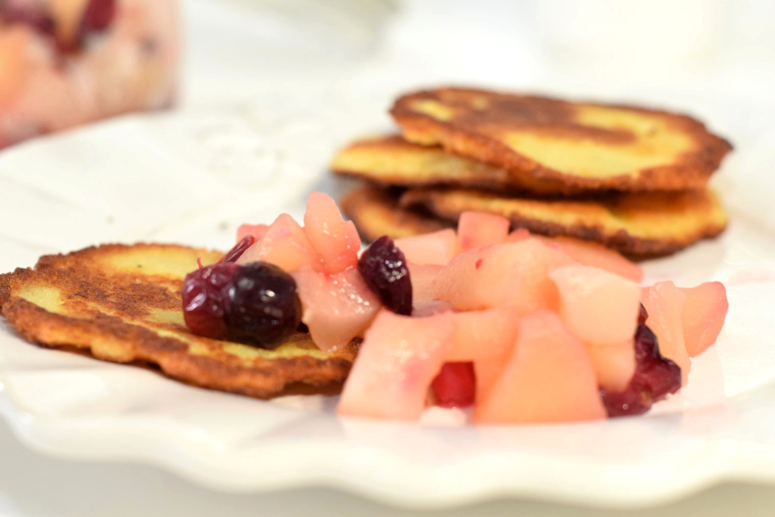 Polish potato pancakes with fruit saute recipe03