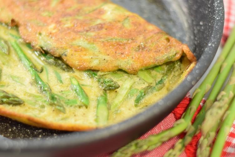 Simple Asparagus Omelette