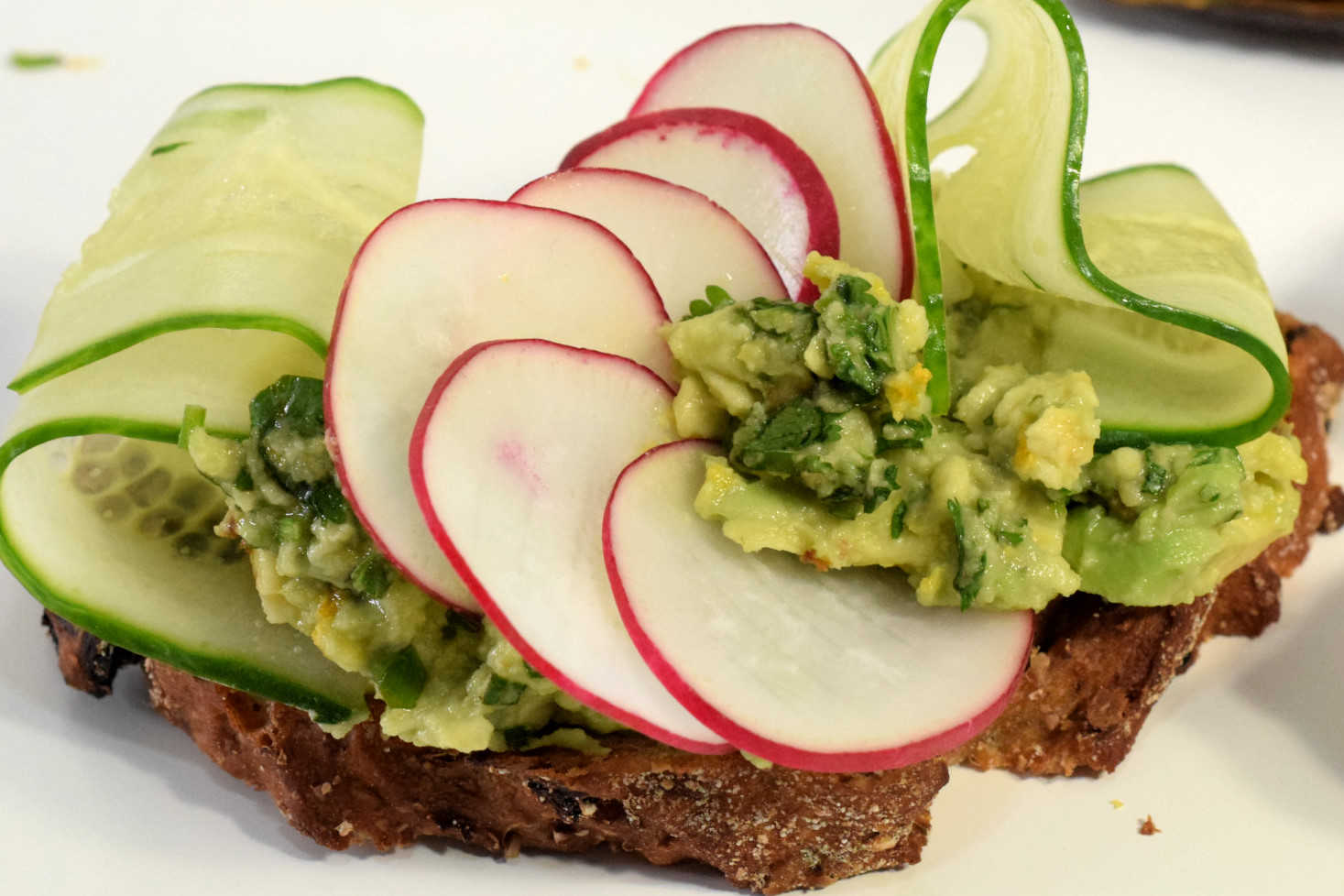 spring avocado toast with cucumbers adn radishes recipe05