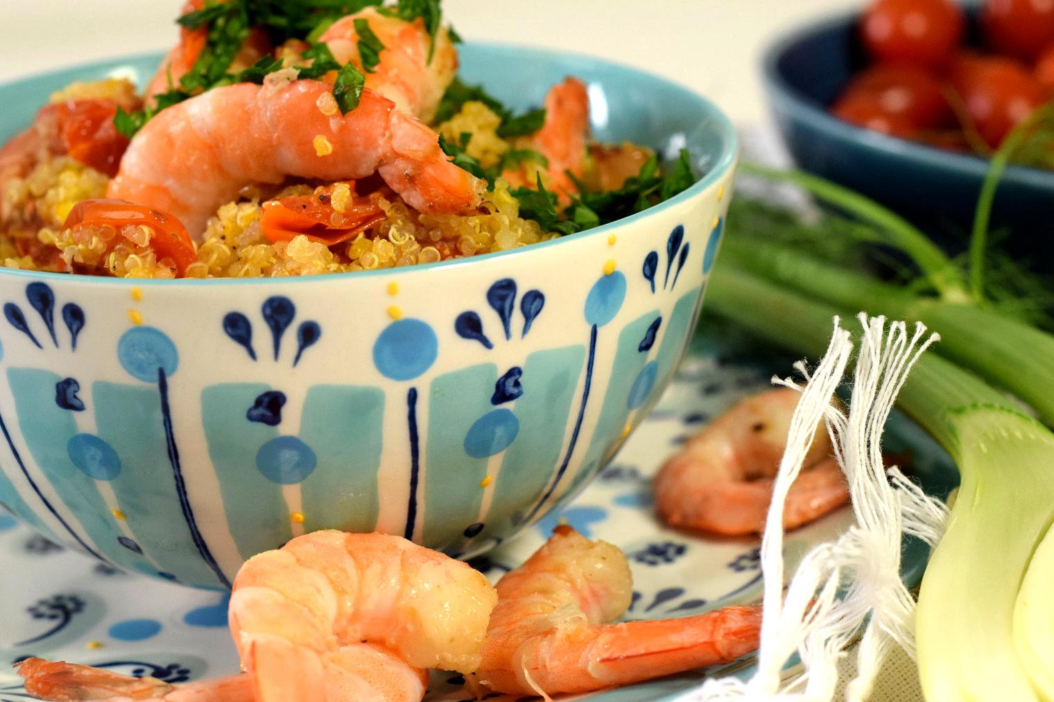 mediterranean quinoa pilaf with prawns recipe04