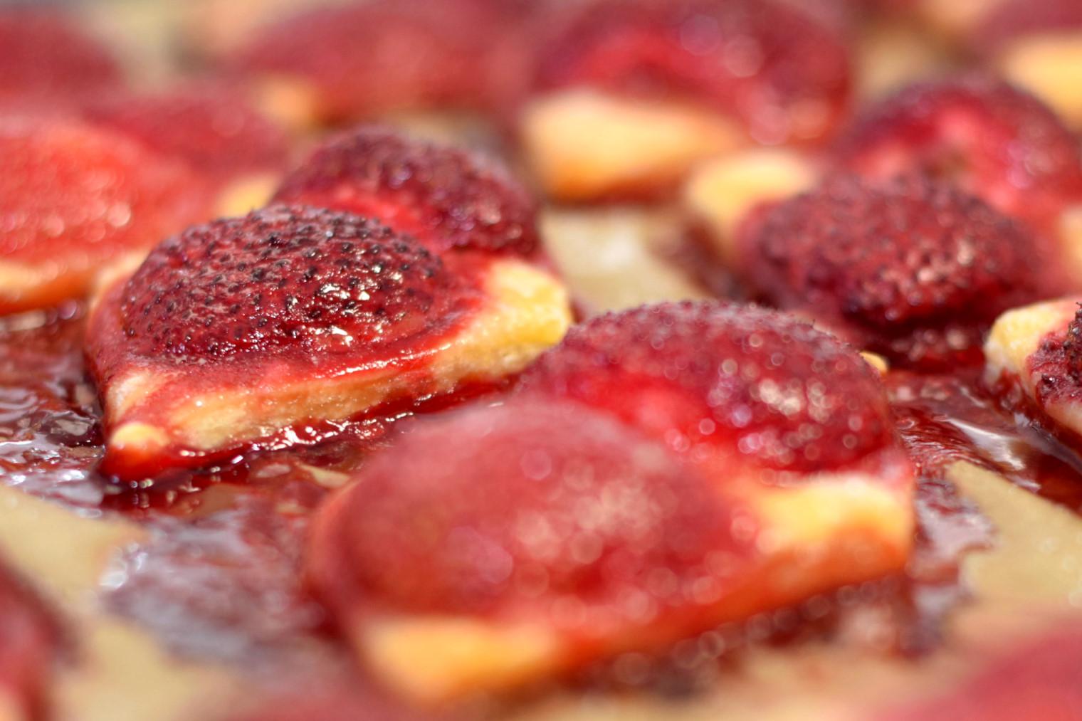 easy bake strawberry squares recipe03