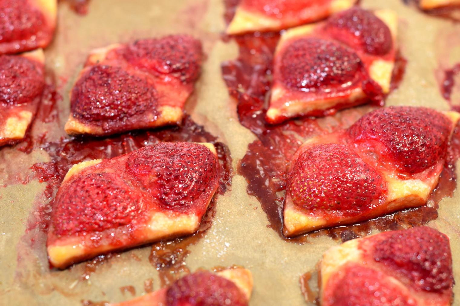 easy bake strawberry squares recipe04