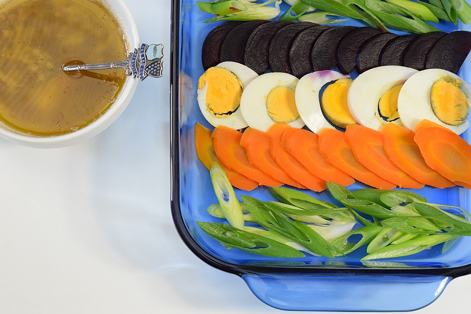 Bagna cauda u roasted vegetables with anchovy sauce natural to