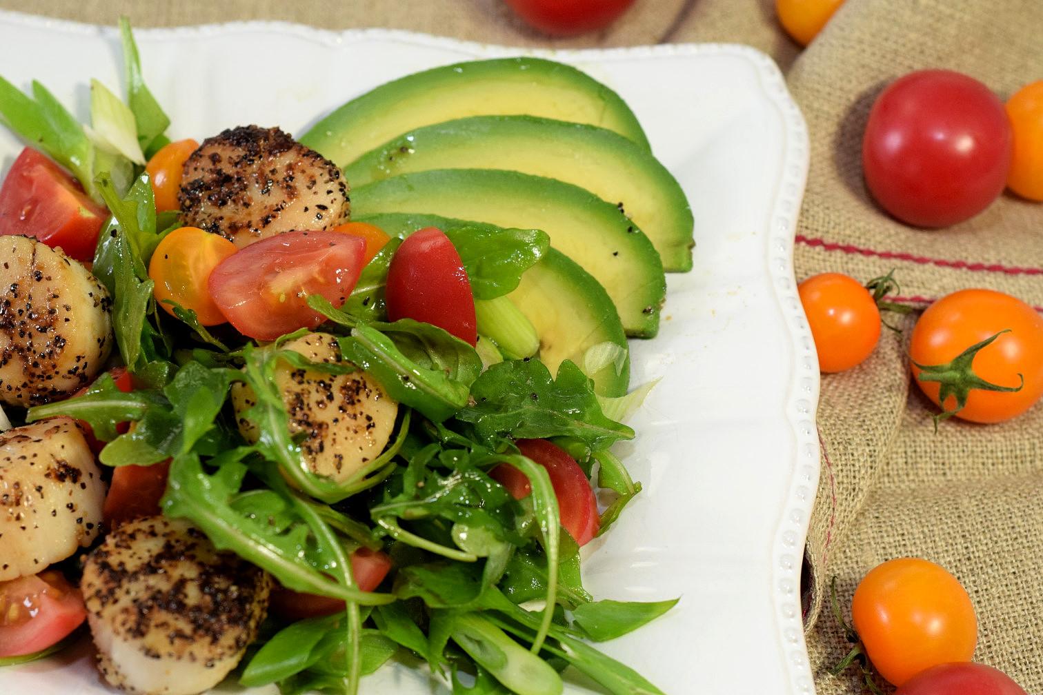 seared scallops avocado tomato salad recipe02